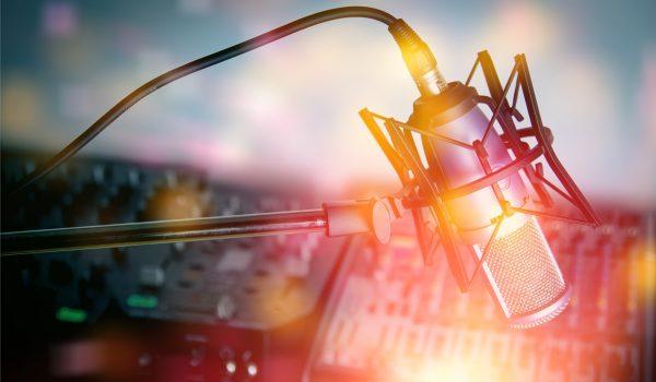 Tagg@mi è un programma ideato da Ploomia per Radio Cusano